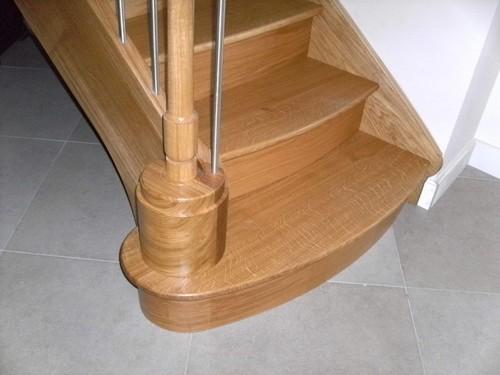 menuiserie escalier 04 volute poteau en bois et inox vue de d part raproch e de profil. Black Bedroom Furniture Sets. Home Design Ideas